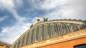 Timelapse del tejado de la estación de tren de Atocha almacen de metraje de vídeo