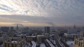 Timelapse del tipo usual de día de Moscú en enero almacen de metraje de vídeo