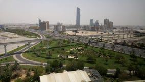 Timelapse del tráfico en una carretera en Dubai almacen de video