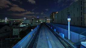 Timelapse del tren móvil en Tokio, Japón