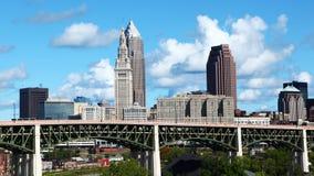 Timelapse dell'orizzonte di Cleveland il bello giorno 4K stock footage