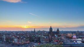 Timelapse dell'orizzonte di tramonto di Amsterdam 4K video d archivio