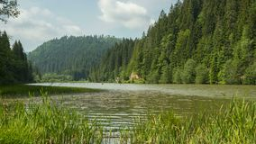 Timelapse in den Bergen des roten Sees stock footage