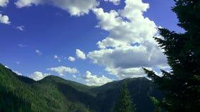 Timelapse an den Hügeln und an den Bergen von Hamar-Daban stock footage