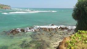 Timelapse der schönen Seeansicht vom Strand in Sri Lanka stock footage