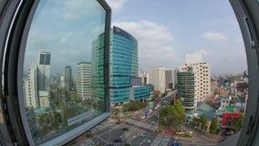 Timelapse des Autoverkehrs auf Stadtstraßen Fensteransicht nach Seoul in Südkorea stock video