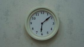 Timelapse des horloges murales banque de vidéos