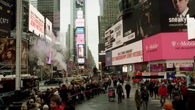 Timelapse des Times Square am Tag stock video footage