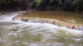 Timelapse di La Bresque, un piccolo fiume nel sud della Francia stock footage