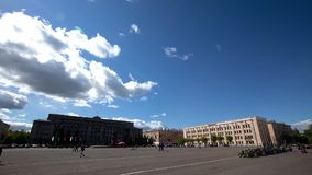 Timelapse die Stadt des Fluss-Wolkensommers Kirows Vyatka stock footage