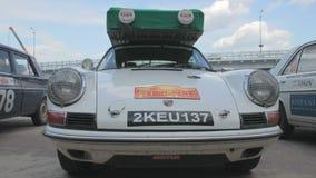 Timelapse do clássico 1963 de Porsche 911, modelo retro do carro do vintage video estoque