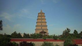 Timelapse do maior pagode selvagem xi ', shaanxi do ganso, China vídeos de arquivo