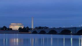 Timelapse do nascer do sol na manhã nebulosa sobre Washington, C.C. video estoque