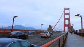 Timelapse do tráfego em golden gate bridge 4K vídeos de arquivo