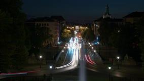 Timelapse du trafic de nuit La vie de nuit dans la grande ville clips vidéos