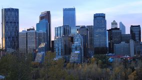 Timelapse dzień noc Calgary, Kanada centrum miasta 4K zbiory wideo