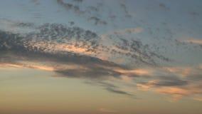 Timelapse effilé de nuages de lever de soleil banque de vidéos