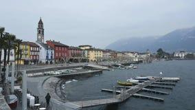 Timelapse eines windigen Wintertages in Ascona, eine Kleinstadt auf See Maggiore stock video footage