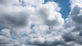 Timelapse för molnig himmel lager videofilmer