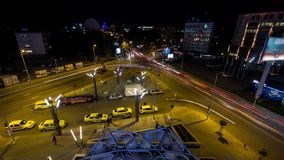 Timelapse för natt för stadstrafik arkivfilmer