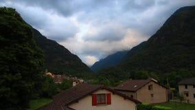 Timelapse francuska wioska Orlu w Pyrenean, Francja zbiory wideo