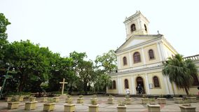 Timelapse-Gelb-Kirche in Macao stock footage