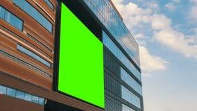 Timelapse - grön skärmaffischtavla på shoppinggalleria stock video