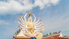 Timelapse Guan Yin statua przy Plai Laem świątynią Główny symbol i Popularny wyspa punkt zwrotny - Turystyka i zbiory