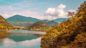 Timelapse hermoso al lago Corlo por día almacen de video