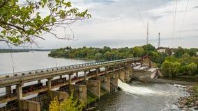 Timelapse hydrokraftverk 4k arkivfilmer