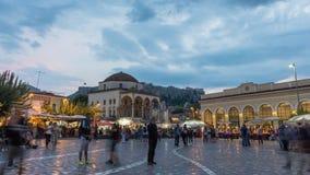 timelapse 4K av folk som går i Aten, Grekland arkivfilmer