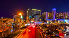 timelapse 4K Stadt-Landstraßenverkehr der Nacht in Deira, Dubai stock video