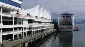 Timelapse Kanada ställe i Vancouver, British Columbia med kryssningskeppet 4K arkivfilmer