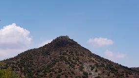 Timelapse kloster på berget arkivfilmer