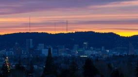 Timelapse kolorowy zmierzch i chmury nad w centrum miastem Portlandzki Oregon zbiory