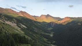 Timelapse krajobraz w Skalistych górach, wałkoni się pustkowie zdjęcie wideo