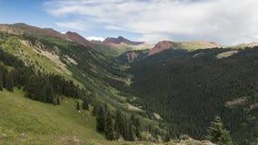 Timelapse landskap i Rocky Mountains, rödbrun-Snowmass vildmark stock video