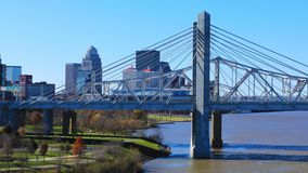 Timelapse Louisville, Kentucky i JFK, Bridżowy 4K zbiory