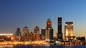 Timelapse Louisville, Kentucky jako noc spada 4K zbiory