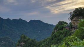 Timelapse materiał filmowy Porcelanowego Hubei Wudang góry Nanyan pałac naturalny krajobraz w lecie zbiory
