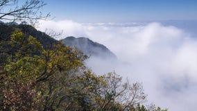 Timelapse materiał filmowy Porcelanowy góry Lu morze chmura krajobraz w opóźnionej jesieni zbiory