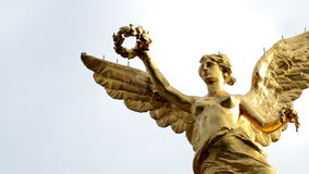 Timelapse medium shot to monument called Angel de la Independencia. stock footage