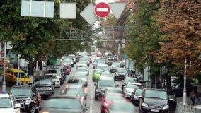 Timelapse moving автомобилей вставило затор движения, улицу большого города сток-видео