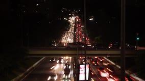 Timelapse in nigth, Mooie Cityscape met auto's, motoren en verkeer op de weg stock video
