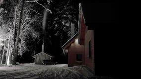 Timelapse Noite fria mágica do inverno em Lituânia, madeira de Gudasiai Gredaiciai Casa com chaminé de fumo 4K vídeos de arquivo