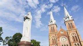 Timelapse Notre Damae Ho Chi Minh katedralny miasto, Wietnam (Nha Tho Duc półdupki) zbiory wideo