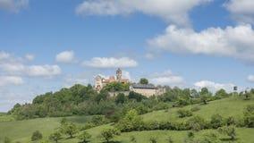 Timelapse - nuages en mouvement au-dessus de château Ronneburg banque de vidéos