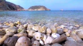 Timelapse ocean fala łama na skalistej plaży w Costa Blanca, Hiszpania zbiory