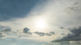Timelapse oscuro dramático de las nubes almacen de metraje de vídeo