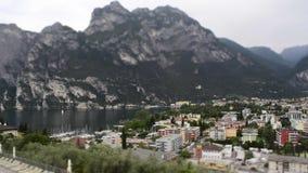 Timelapse på Riva del Garda, Italien stock video